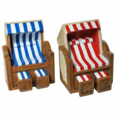 Geld spaarpot strandstoel