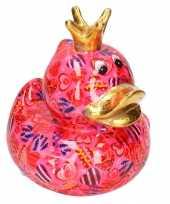Spaarpot eend met kroontje fuchsia roze met gekleurde snoepjes print 16 cm